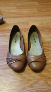 Brown American Eagle Flats size 6.5