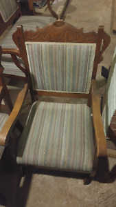 Belle chaise bercante antique rocking chair
