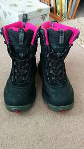 Women's Sz 6 Winter boots