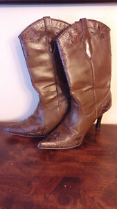 brown stiletto Cowboy Boots Size 8