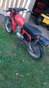 Honda dirt bike xl80s