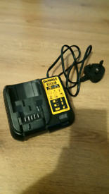 Dewalt XR multivoltage battery charger