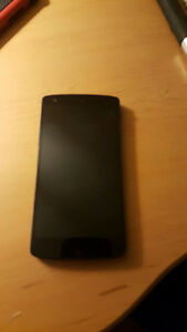 NEXUS 5 MINT CONDITION