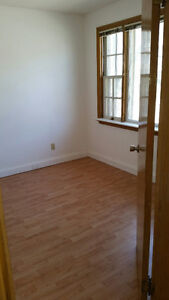 Large Shared All Girls House Steps from Downtown and University