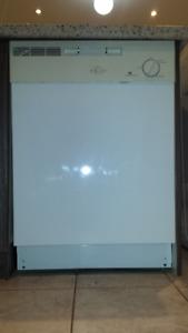 White Westinghouse Dishwasher