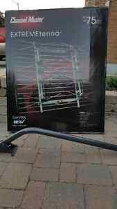 Channel Master 4228 HD antenna with mounting post Brand New