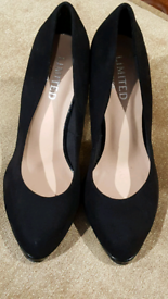 Ladies M&S Suede Effect with Patent Heel Shoes