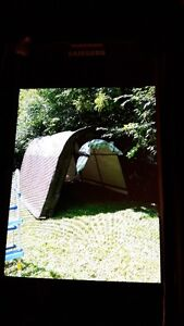 TEMPO-OUTDOOR SHELTER-TOP QUALITY-$200.00 OBO