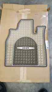 CHEVY HHR CUSTOM FLOOR MATTS SUMMER & WINTER SETS