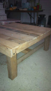Pallet and Reclaimed Lumber Coffee Table Stratford Kitchener Area image 1