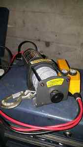 Winch/treuil 2000 lbs