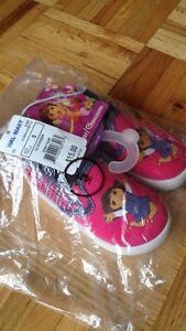 Souliers en toile Dora 'neufs'