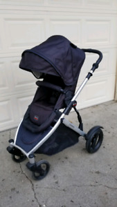 Used Britax comple set for baby (Stroller + Car seat + Bassinet)