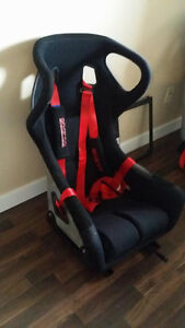 Carbon bucket seats, Sparco harness
