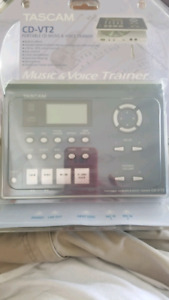 Tascam CD-VT2 portable music and voice trainer