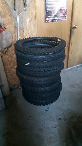 Installation de pneu motocross cr kx rm yz ktm 125 250 450