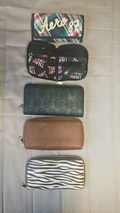 SET OF WALLETS  FOR 10$