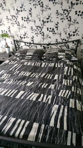 Comforter cover with pillow cases