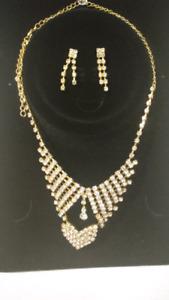 2 piece jewelry set... Perfect Christmas gift