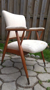 Fabulous mid century retro accent chair - $225 (West Island)