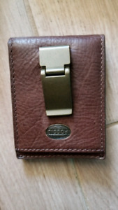 Fossil Genuine leather men's wallet with money clip