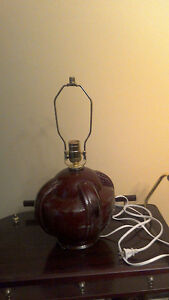 ANTIQUE VICTORIAN LAMP