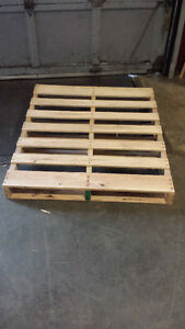 Boxes, Gaylors, Treated Pallets London Ontario image 3