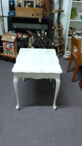 Vintage End Table - refinished - a Must Have for any home