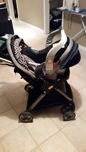 Graco travel system (Snugride classic connect 30)