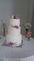 BEAUTIFUL, AFFORDABLE WEDDING CAKES