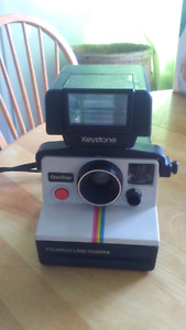 Polaroid Camera with detachable flash