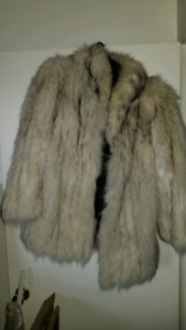 VINTAGE LABRADOR FUR LTD LADIES FUR COAT