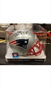 TOM BRADY SIGNED MINI HELMET NEW ENGLAND PATRIOTS