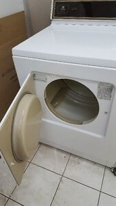Maytag Dryer / Secheuse Maytag West Island Greater Montréal image 3