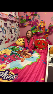 Shopkins comforter and decor