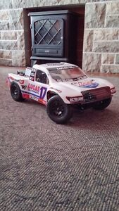 Brushless Team Associated SC10 4x4 - all inclusive