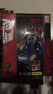 MP10 Optimus Prime Convoy Toys R Us Exclusive Master Piece