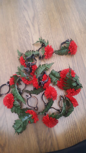 16 red carnation curtain clips - pinces a rideaux