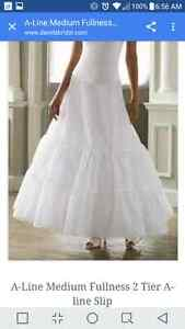 David's bridal a line 2 tier slip Stratford Kitchener Area image 1
