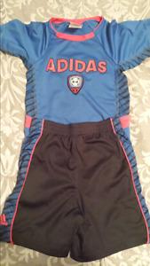 Boys Adidas 2 piece set size 3t.