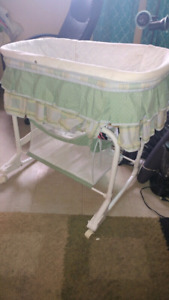 Used Infant Bassinet