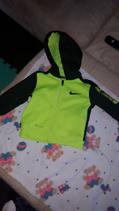 Infant Nike Outfit size 3 to 6 mths