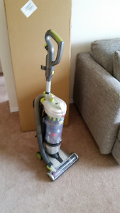 Hoover Air Lite Compact Multi-Cyclonic Bagless Upright Vacuum
