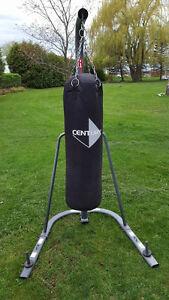 sac de boxe 100 lbs et support