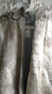 XL women's faux fur vest