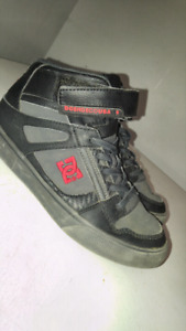 DC sneakers for boy size 4 hardly used