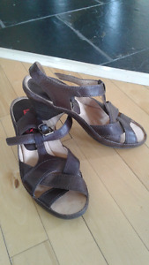 PIKOLINOS sandals - size 8-8.5, natural leather