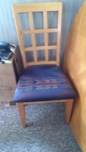 Solid wood Dining Room Table and 6 chairs