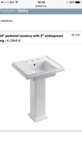 Beautiful white pedestal lavatory, including faucet and taps!!!