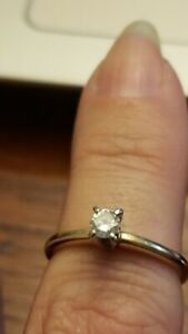 Diamond Solitaire Womens 14K engagement ring Sz 5 1/2